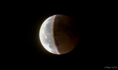 Eclipse lunaire 15 juin 2011 HDR newton 205 mm