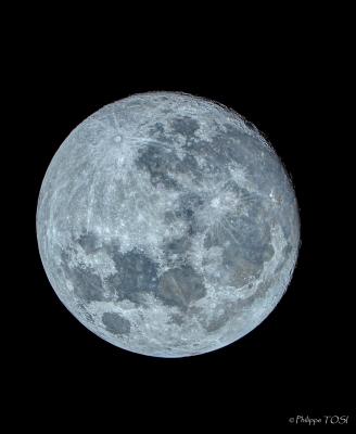 La lune gibbeuse en couleur au télescope de 410 mm